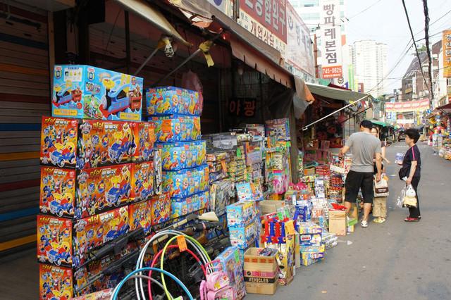 【東大門站】韓國文具、玩具、水族用品批發大街