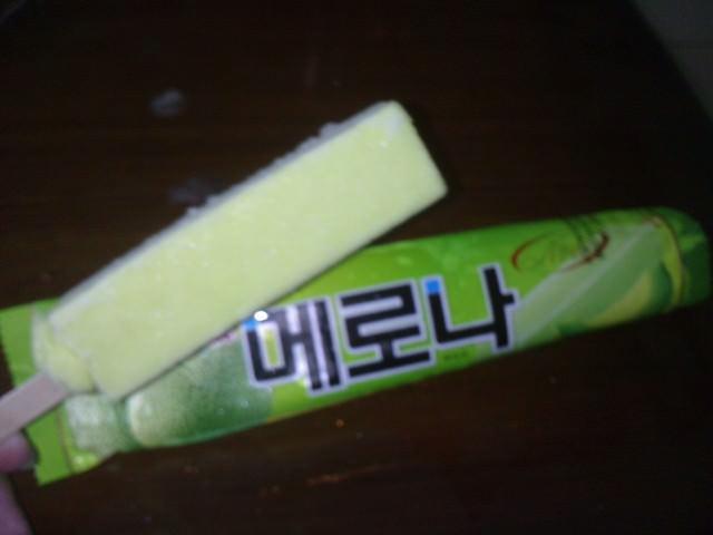 """台灣也吃得到韓國經典冰品""""메로나哈密瓜冰棒"""""""