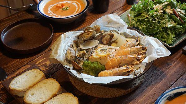 【濟州島-市區】隱身山林的鄉村海味『JOUR RE食堂주르레식당』(不預約就吃不到的隱藏美食)