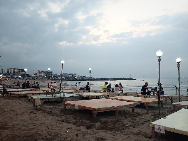 【濟州島-濟洲市區】不只有小馬燈塔,梨湖泰宇海水浴場이호테우해변 ,晚上來更漂亮 ~海灘包裝馬車!