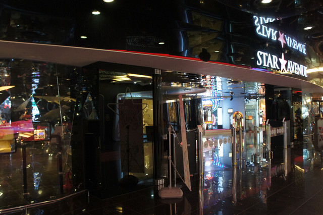 【蠶室站】追星必去韓流聖地-스타에비뉴STAR AVENUE(星光大道)-一次買齊韓星週邊、與韓星更貼近《明洞、蠶室》