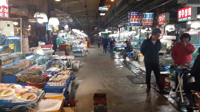 【鷺梁津站】前進韓國最大水產市場-鷺梁津水產市場노량진수산시장 ,現挑現煮新鮮海味