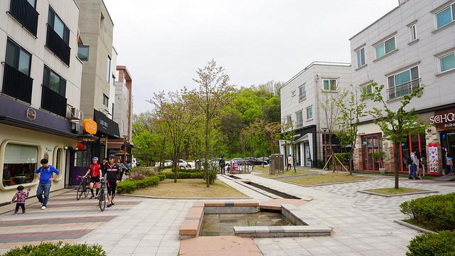 【板橋站】原來這麼多韓劇都在這裡拍的!!『 柏峴洞咖啡街백현동 카페거리』(來自星星的你、看見味道的少女、需要浪漫 等)
