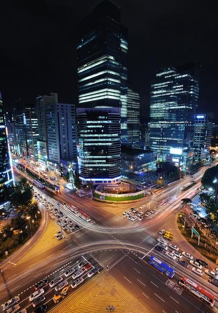 【江南站】韓國高級商圈、超大地下街、美食酒吧~下班後的好去處!!