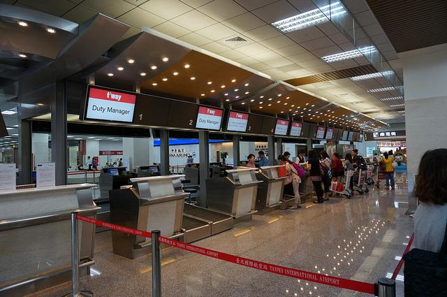 【航空公司】打破你的刻板印象,韓國(LCC)廉價航空大不同?!(免費拖運行李、供餐、又可預選機位、累積點數)!!