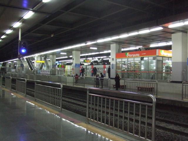 【龍山站】韓國最大生鮮超市大賣場Emart이마트+科技商城+I'PARK購物中心