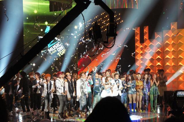 【市廳站】每週三音樂現場直播節目『Music On Top』參加辦法 & 韓國新興媒體JTBC【節目暫停中】